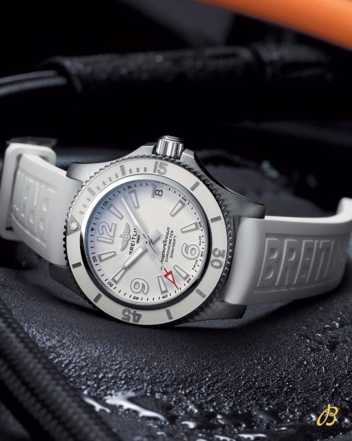 Breitling Ladies SUPEROCEAN AUTOMATIC 36, Stainless Steel, White dial, A17316D21A1S1